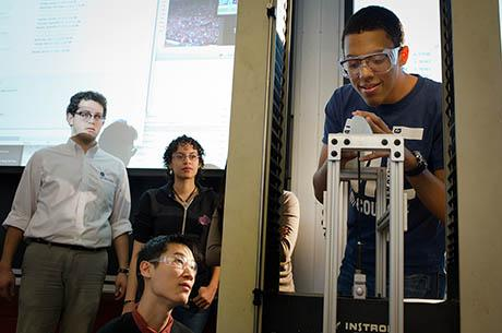 Professor John Hart teaches students of new graduate additive manufacturing course to reinvent 3D printing tech.